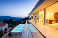 Дом Ломбардо, расположенного над озером Лугано, Швейцария.