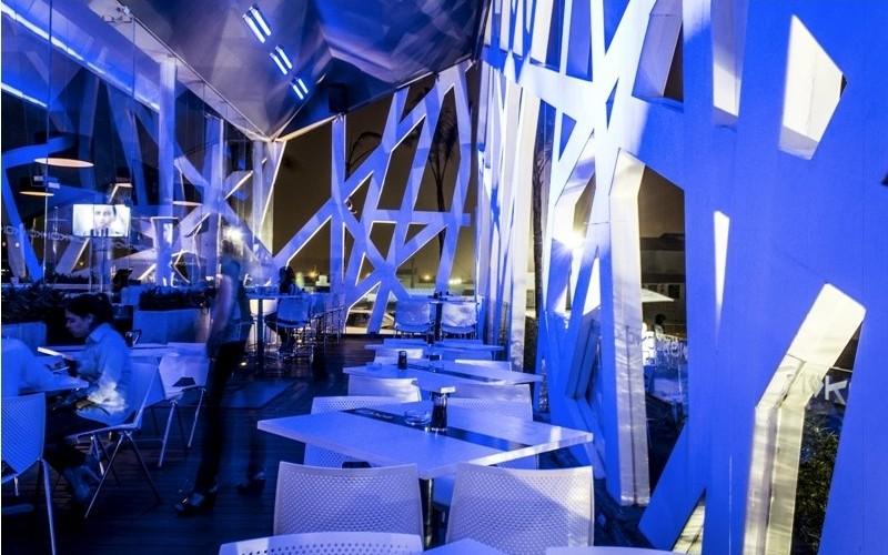 Суши Koi Lounge расположен в Агуаскальентес, Мексика.
