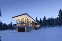 Дом в скалистых горах Колорадо.