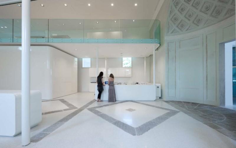 Новые офисы и выставочный зал Рубенс ЛУЧАНО внутри здания 19-го века в Венеции, Италия.