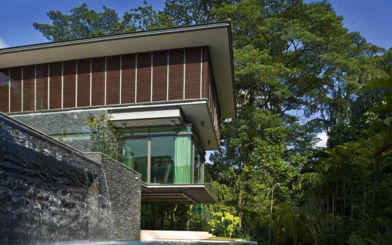 Резиденция в Сингапуре Окруженная пышной растительностью