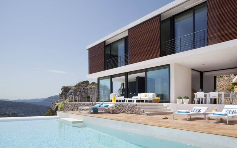 Casa 115 расположен на Майорке, Испания.