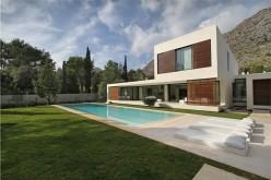 Микель Lacomba разработала Casa Бауза, расположенный на Майорке, Испания.