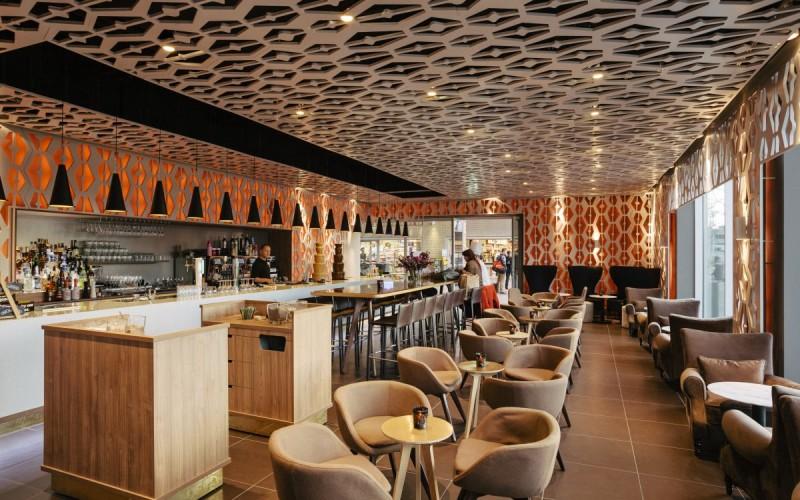 Эспрессо-бар  коктейли в Амстердаме называется  «Выходной»
