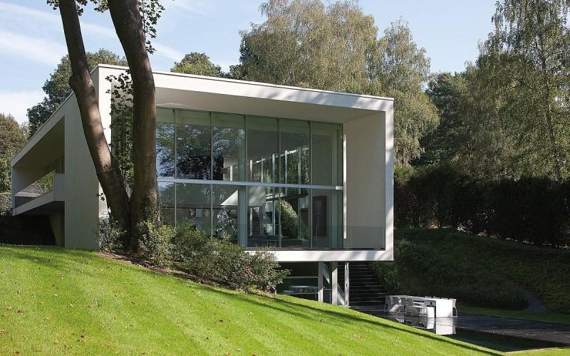 Дом расположен в Бельгии.