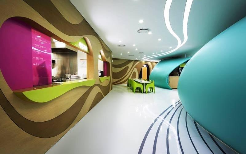 Фуд-корт имени Amoje продовольственная столица для универмага Lotte в Сеуле, Южная Корея.