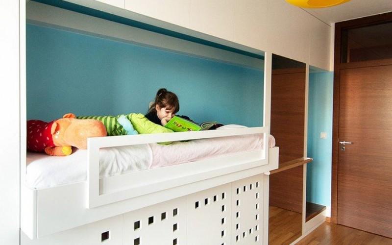 Дизайн спальни  детской в доме в Варшаве, Польша.