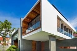 Современный дом с элементами древесины