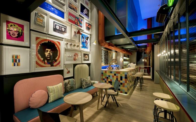 Кафе-бар и столовая в Салониках, Греция.