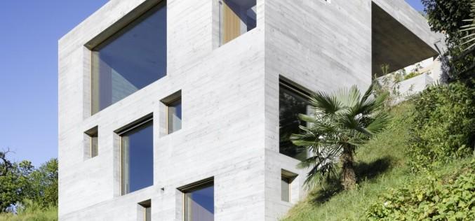 Бетонный  дом в Сан-Abbondio, Швейцария.