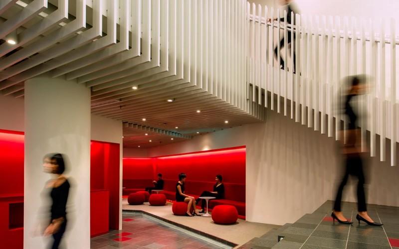 Дизайн интерьера кампуса OCBC в Сингапуре.