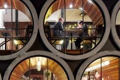 Prahan отель в Мельбурне, Австралия, из  бетонных труб.