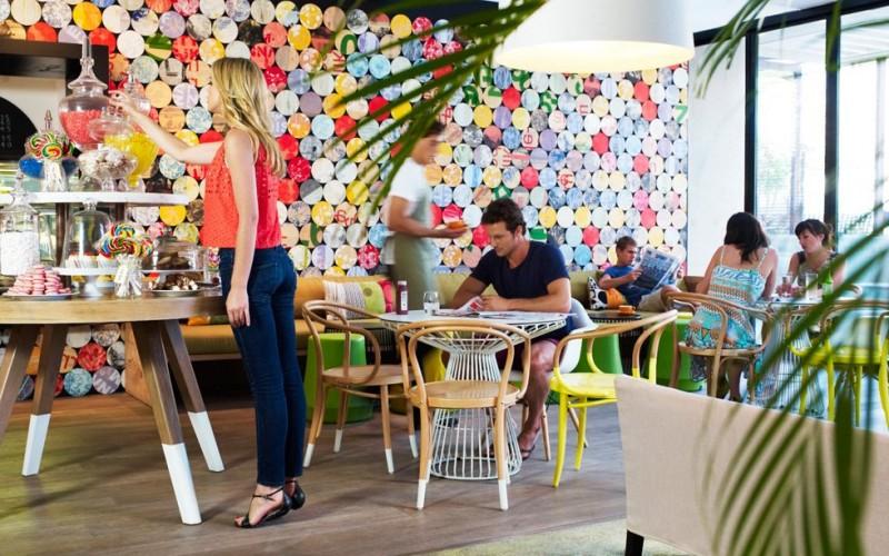 QT Hotel побережье  расположен в Квинсленде, Австралия.