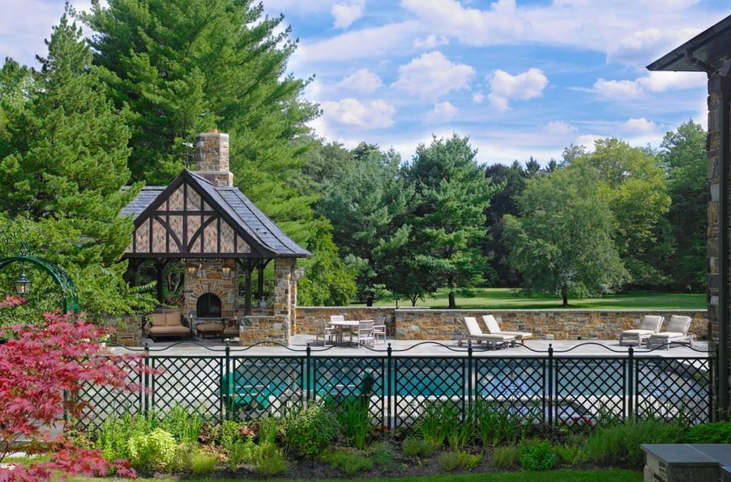 tudor-style-outdoor