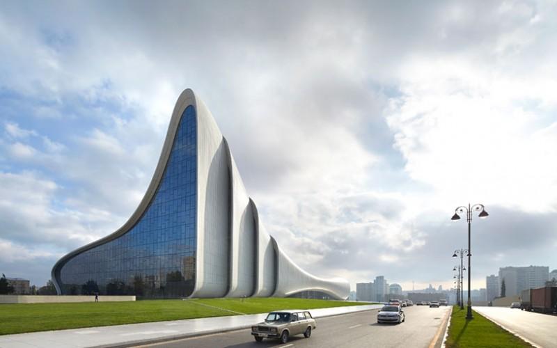 Центра Гейдара Алиева по Заха Хадид