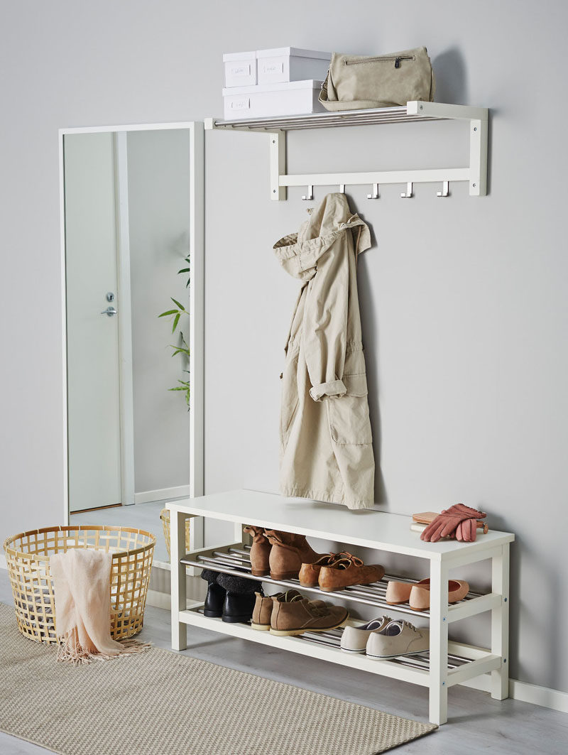 Entryway Design Ideas - 3 Different Styles Of Entryway Benches // This bench is just the right height to be used as both a shoe rack and a bench in an entryway that might be tight on space.