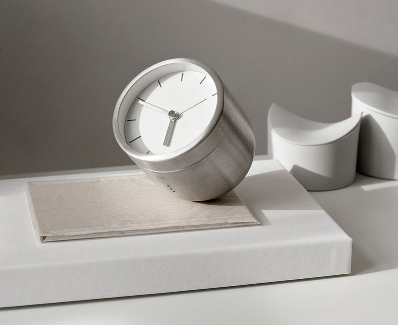 40 Awesome Gift Ideas For Architects And Interior Designers // A silver tumbler clock.