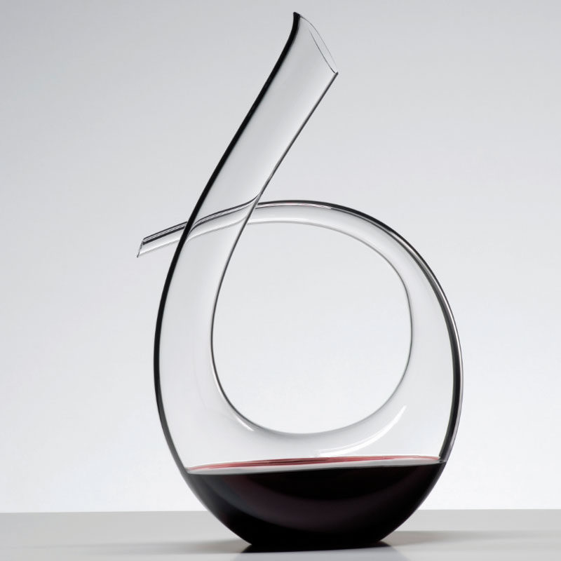 10 Unique Modern Wine Decanters // Keep your bottle of wine looking fine in this beautiful curved glass decanter.