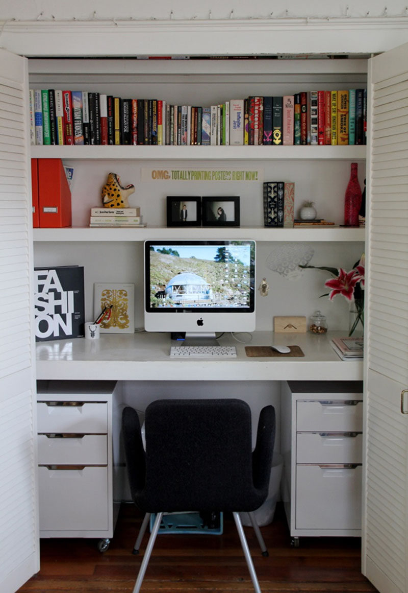 Small Apartment Design Ideas - Create A Home Office In A Closet // Although this office is tucked into a closet, it still manages to fit in all the essentials including the computer, multiple sets of drawers and lots of book storage.