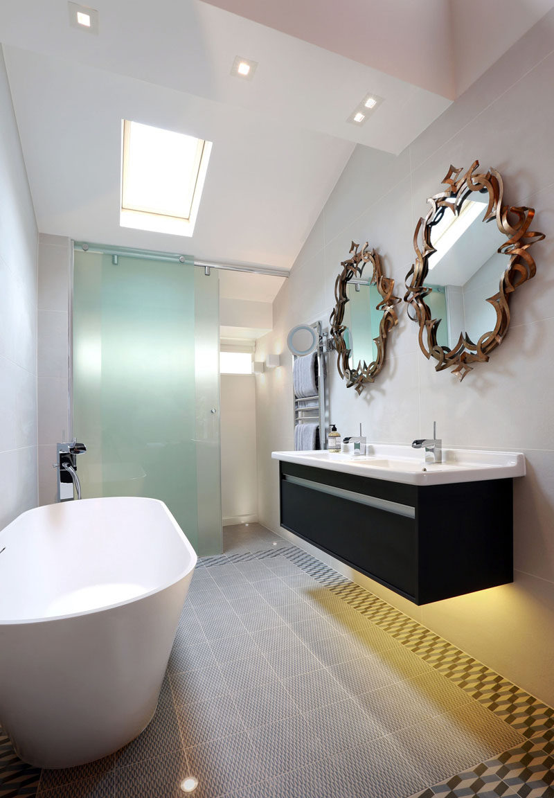 5 Bathroom Mirror Ideas For A Double Vanity // Unique and artistic mirrors can double as both functional and creative design elements in your bathroom.