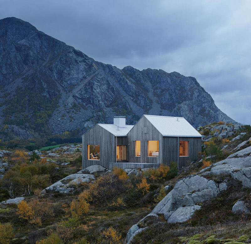 11 Small Modern House Designs // This tiny secluded cottage home is the perfect size for a couple of people to escape the city life and unwind in the quiet mountains.