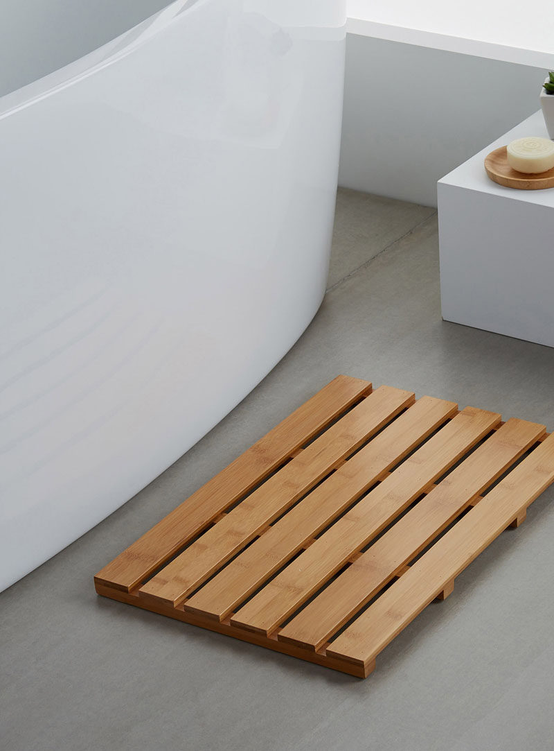 7 Things You Need To Create The Perfect Spa at Home // Bath Mats - Natural materials help warm up the bathroom and create a spa like atmosphere while plush materials make getting out of the bath just as comfortable as getting in.