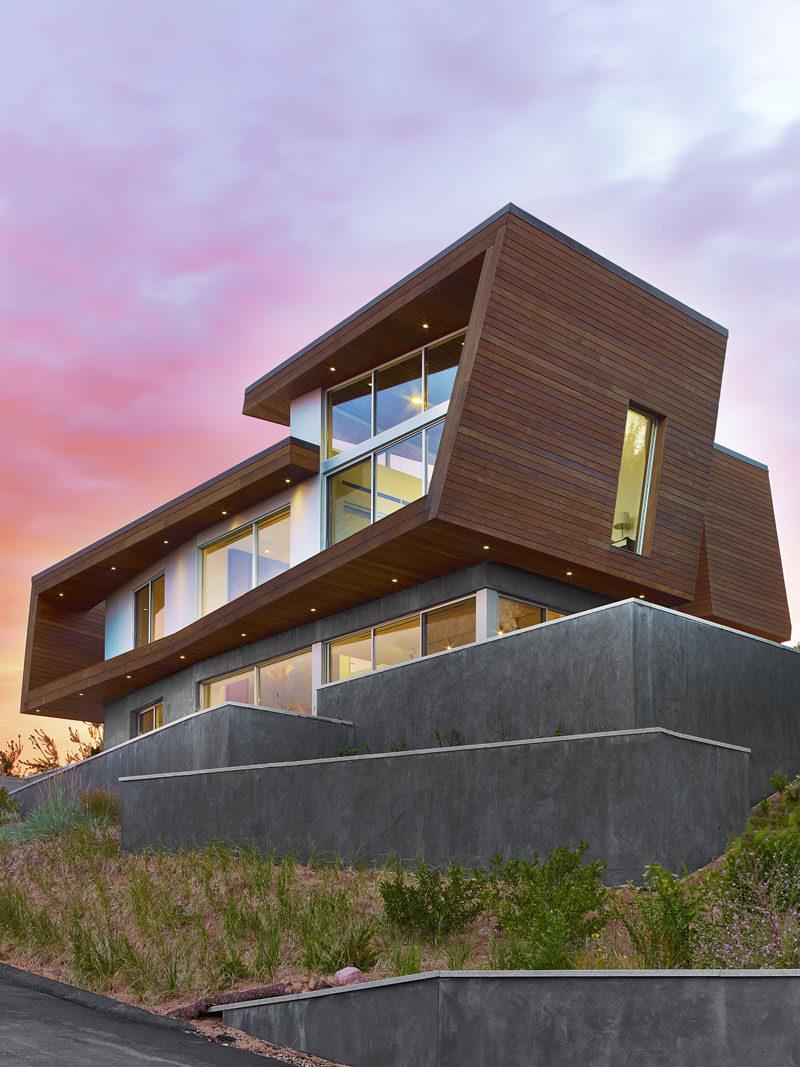 modern-beach-house-260117-939-02