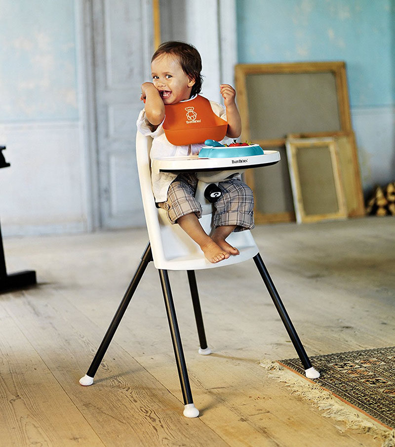 14 Modern High Chairs For Children // Simple colors and a simple design make this high chair a sleek choice perfect for a stylish home.