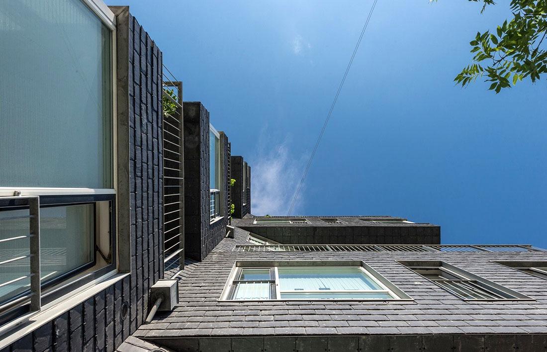 Применение натурального сланца в облицовке фасадов