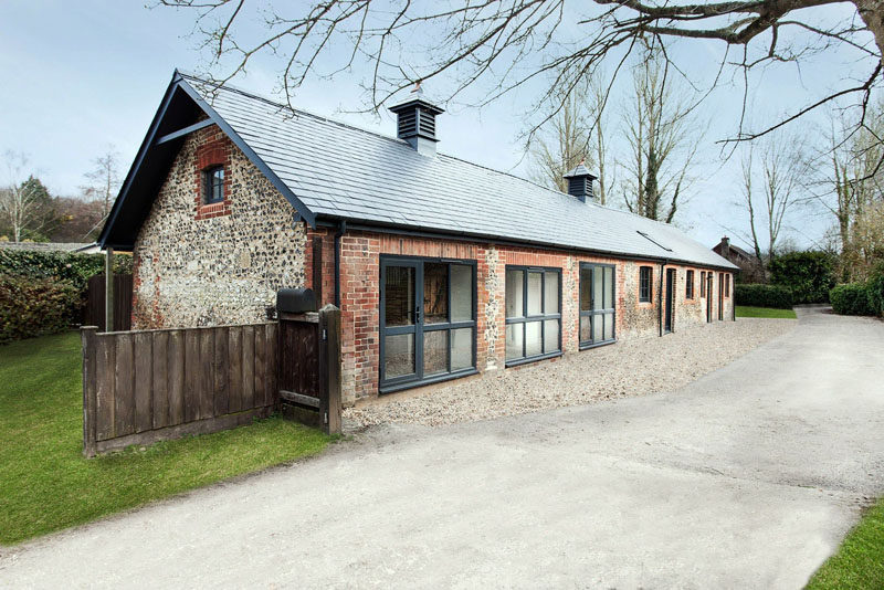 15 Single Story Modern Houses | Before it was a home, this single story house was actually a dilapidated historic horse stable.