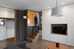 Маленькая квартира дизайн идея – поднял спальня позволяет ящиком для хранения