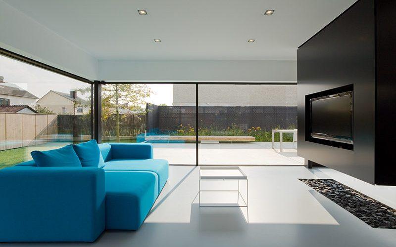Идеи дизайна интерьера – подвесной телевизор стеной и перегородкой