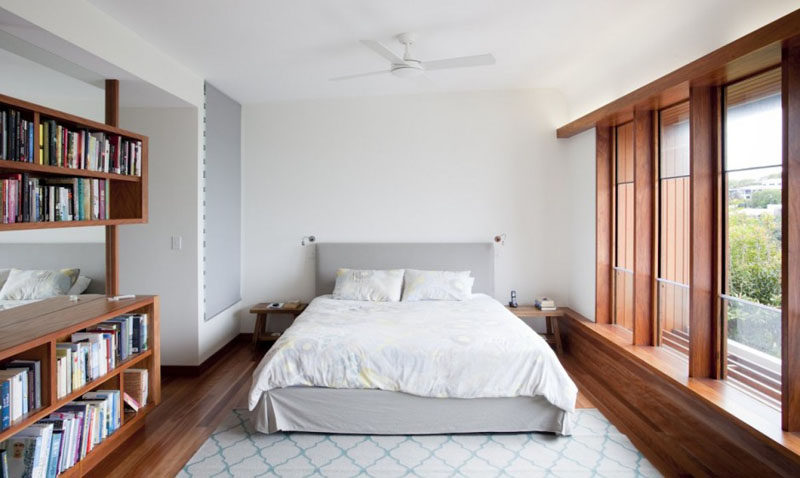 5 Simple White Bedroom Decor Ideas To Use In Your Home // Bedding - Cover your bed, pillows and duvet in soft white sheets and turn your bedroom into the most relaxing space in the house.