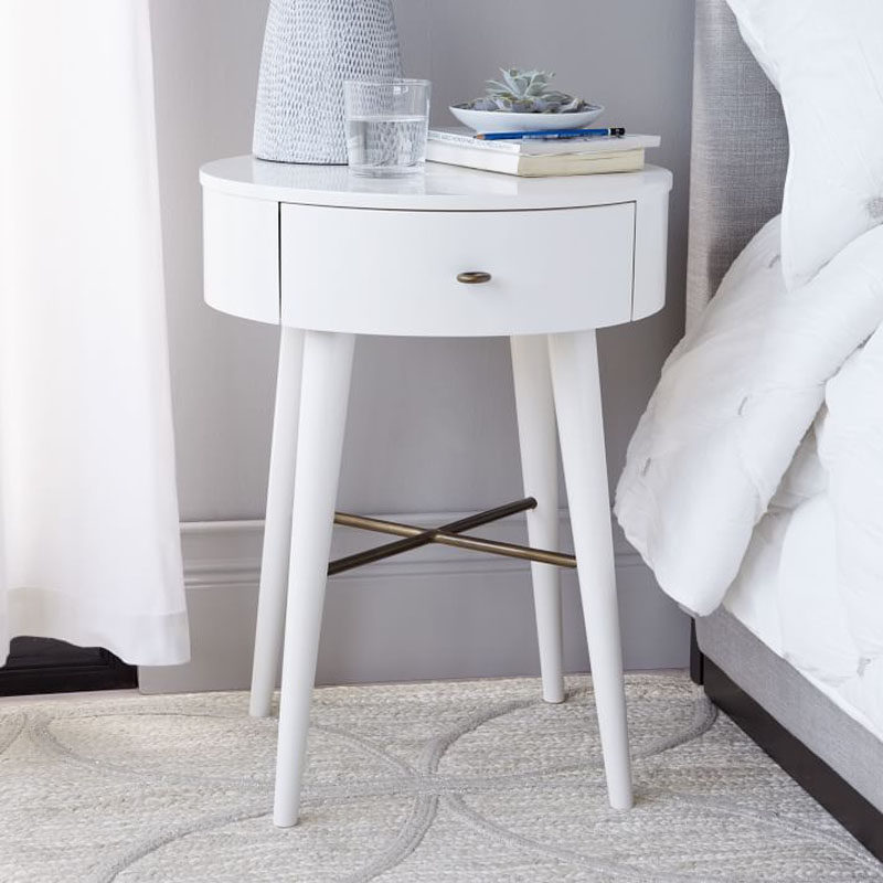 5 Simple White Bedroom Decor Ideas To Use In Your Home // Furniture - Thing about buying white bedroom furniture as an investment - it works with everything and can easily be painted over down the road if the white is no longer working for you.